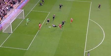 Torres scores against Stoke
