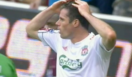 Carragher gives away a pen against West Ham