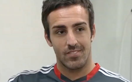 Jose Enrique signs for Liverpool FC