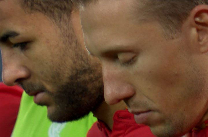 Lucas Leiva during the minutes silence for Chapecoense