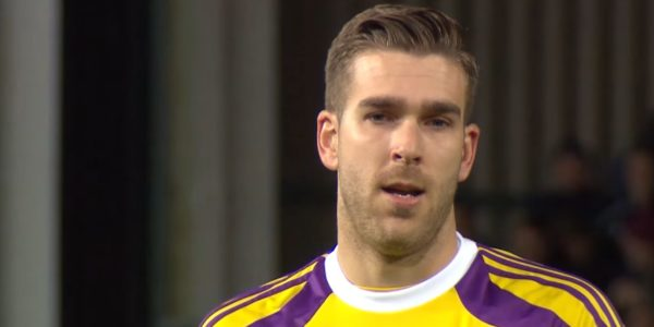 Adrian joins Liverpool